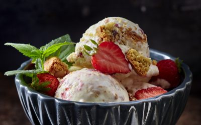 STRAWBERRY-CHEESECAKE-EIS